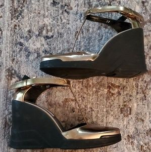 PRADA BRAND NEW - AUTHENTIC T-STRAP Wedge Shoes